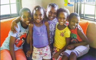 Trans Africa Adventure: Romsa si Impro sponzorizeaza copiii orfani la Ingane Yami Children Village
